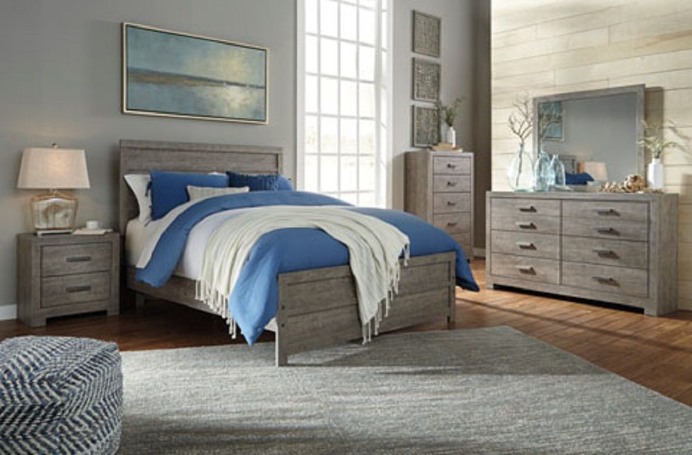 #B070 Queen bed, dresser + mirror $599